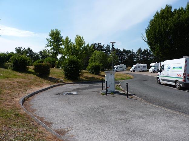 024 2016-07-22 001 Ställplats Oradour-sur-Glane
