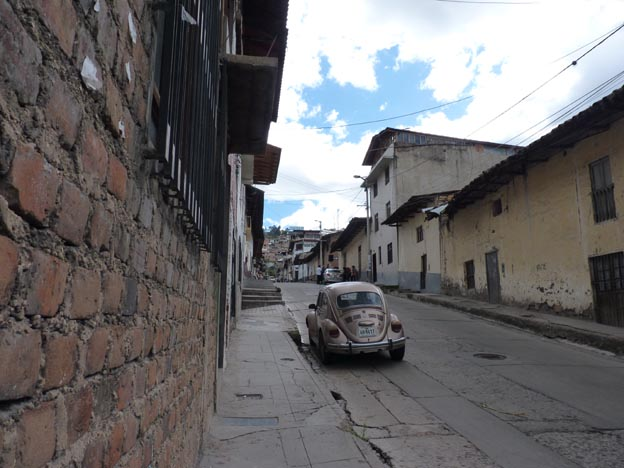Gata runt torget i Cajamarca.