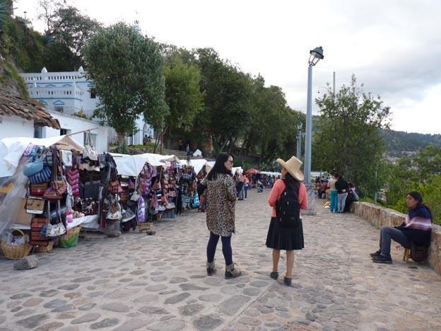 Precis utanför området med utsiktsplatsen kunde man köpa souvenirer.