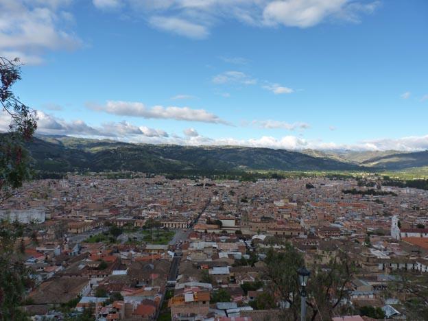 Cajamarca, staden mellan bergstopparna.